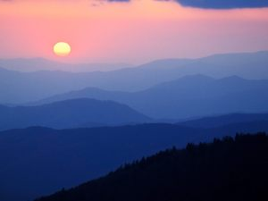Sunrise-From-Newfound-Gap-Great-Smoky-Mountains-North-Carolina