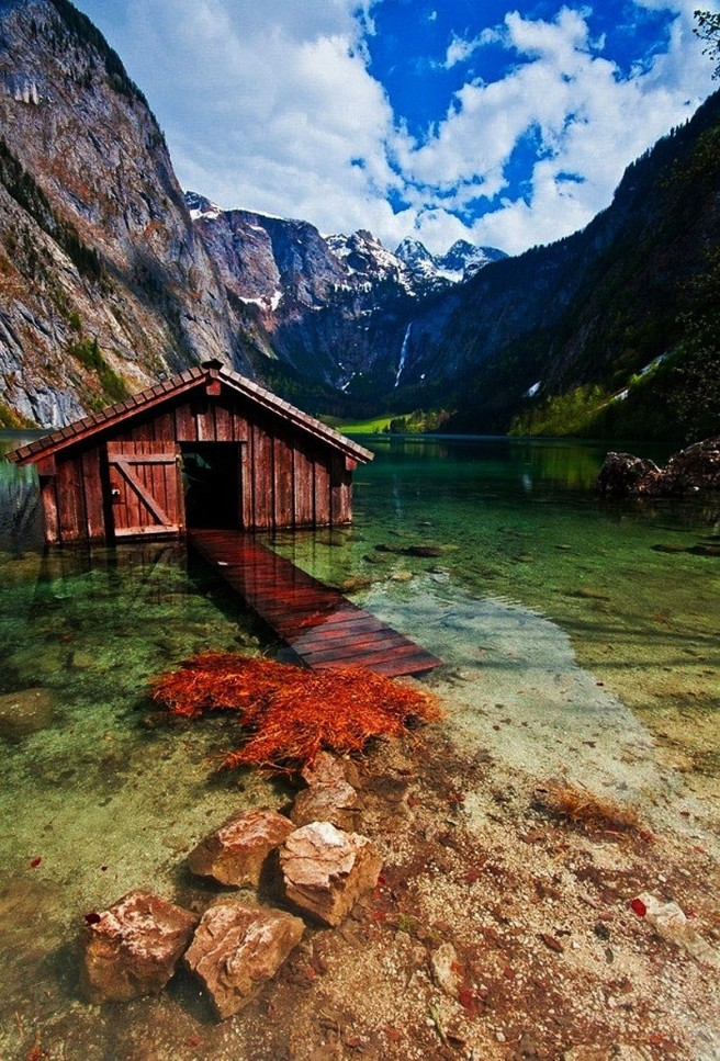 boathouse-obersee-lake-germany-boredom-bash-com